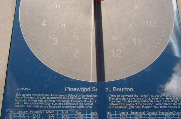 Commemorative sundial with elaborate personalised engraving